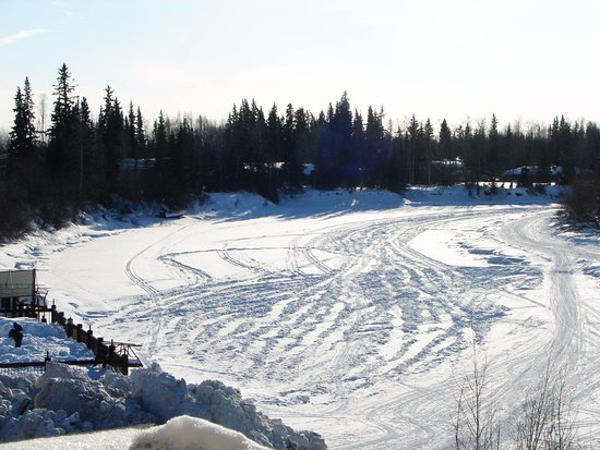 Pike's Waterfront Lodge: Chena River on a bright afternoon, 3/15/2017
