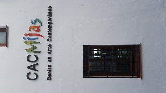 CAC Mijas Centro de Arte Contemporáneo: 20170318_191125_large.jpg