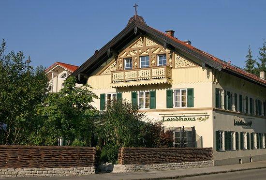 Landhaus Cafe Restaurant & Hotel