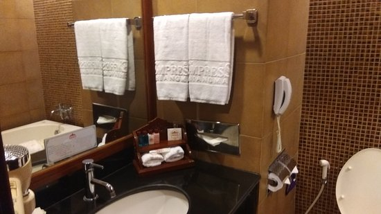 Empress Hotel : IMG_20170102_215224_large.jpg