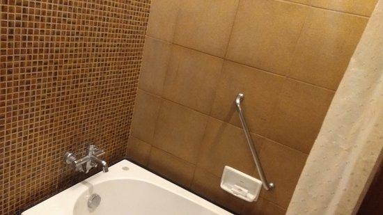 Empress Hotel : IMG_20170102_215231_large.jpg