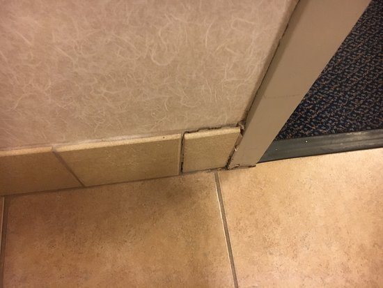 Waukesha, WI: Loose tile.
