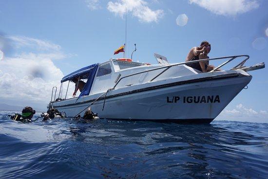 Scuba Iguana : The Iguana Dive Boat