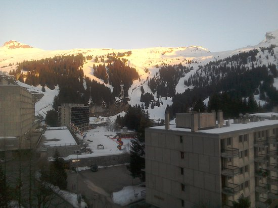 Les Villages Clubs du Soleil : Sun setting above Flaine