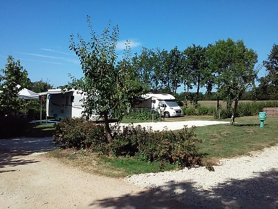 Vergt, France : Emplacement aire de service camping car
