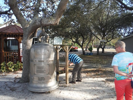 Mims, FL: The Bell ...