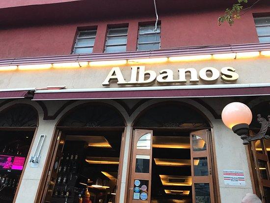 Albanos Hub Cervejeiro: Logo na entrada