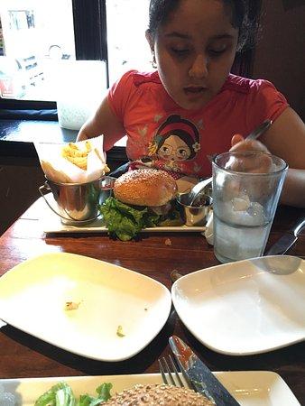 Thunder Burger & Bar: photo0.jpg