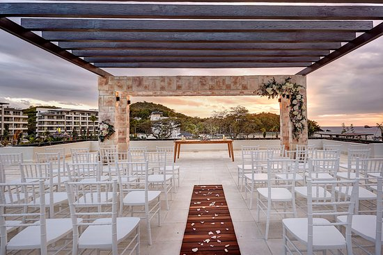 Cap Estate, St. Lucia: Sky Wedding