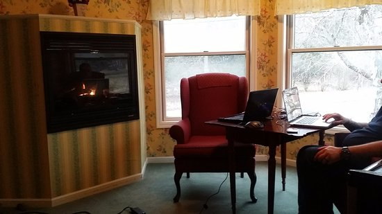 Afton House Inn : My husband and I enjoyed the cozy gas fireplace by the windows looking down on St Croix Trail