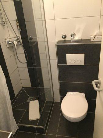 Rothenbach an der Pegnitz, Jerman: Il bagno funzionale e pulito.
