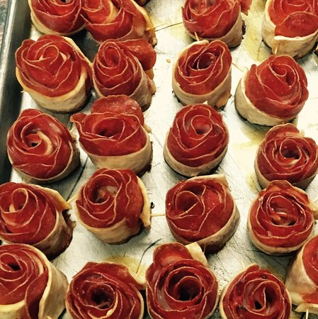pepperoni roses for valentine 39 s day picture of santana. Black Bedroom Furniture Sets. Home Design Ideas