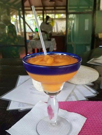 Jackie's on the Reef: Best smoothie EVER! Fresh banana, papaya, mango, berries