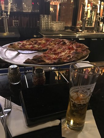 Grimaldi's Pizzeria: photo0.jpg