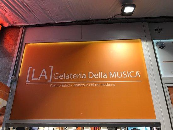 Photo of Italian Restaurant La Gelateria della Musica at Via Giovanni Enrico Pestalozzi 4, Milan 20143, Italy