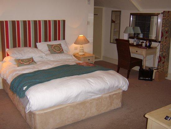 Rashleigh Arms: Our favourite En-suite room.