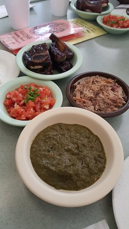 Photo of Restaurant Helena's Hawaiian Food at 1240 N School St, Honolulu, HI 96817, United States