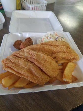 Haysville, KS: Winner winner catfish dinner.