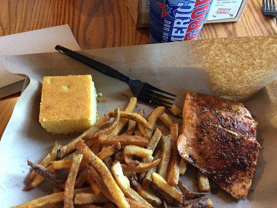 Glen Burnie, Мэриленд: Awesome smoked salmon