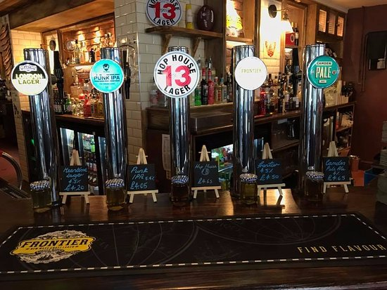 Letchworth, UK: Be sure to try some of our refreshing Craft Beer when you pop in!
