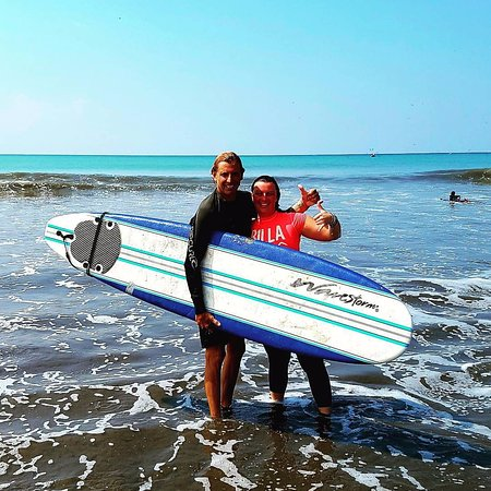 Popoyo, Nicaragua: The best surf instructor ever!
