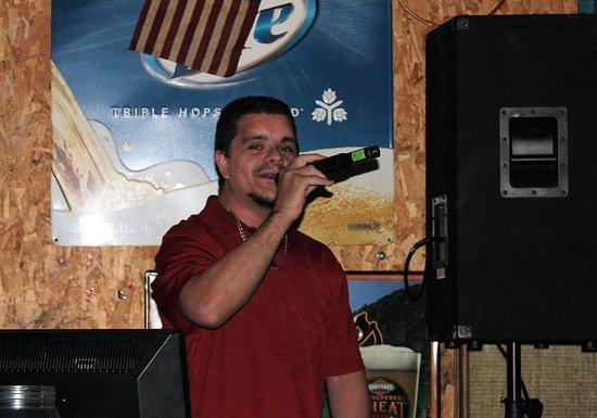 Eldon, มิสซูรี่: Karaoke at the C-Site