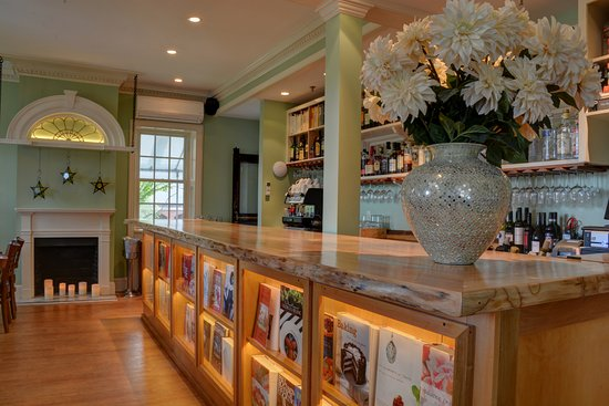 Simsbury, CT: Reservation Only Cookbook Bar