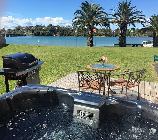 Raglan, Nueva Zelanda: Patiki Lounge Deck