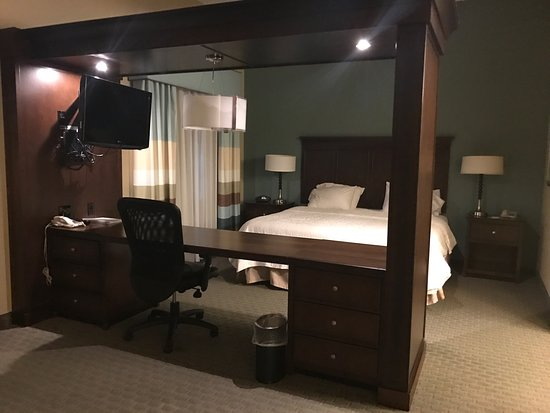 Port Allen, LA: King Suite - First Floor