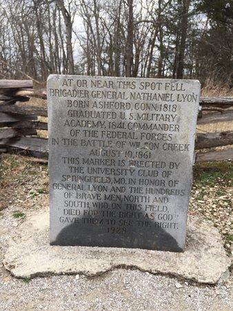 Republic, Μιζούρι: Monument to Gen. Lyon