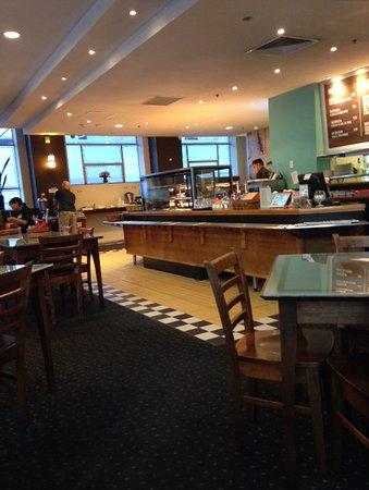 MLC Cafe & Bar: Counter area