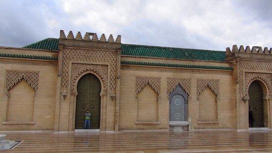 Casablanca, Marruecos: 霊廟横の建物