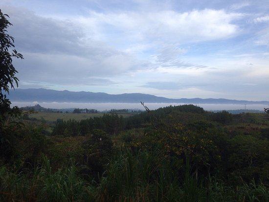 Lake Nkuruba Nature Reserve, Uganda: Early morning view from the bandas