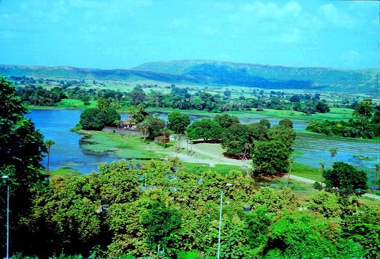 Banswara, India: Dialab is popular pond located NE of town at 2kms.distance om right side of road to Mahi dam