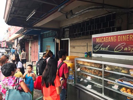 Bicol Region, Philippines : Macagang Diner Centro Food Cart