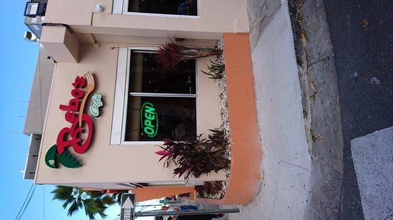Bebo's Cafe: Ingreso al restaurante