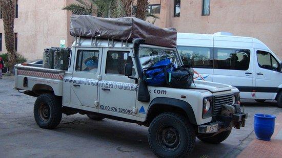 Moroccan Sahara : 重装装備のラリー隊