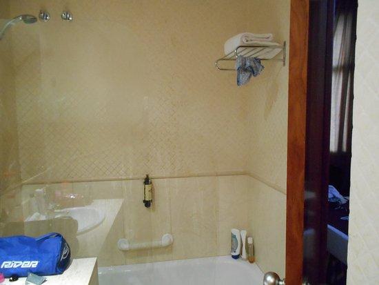 Hotel Pelai No. 1: baño
