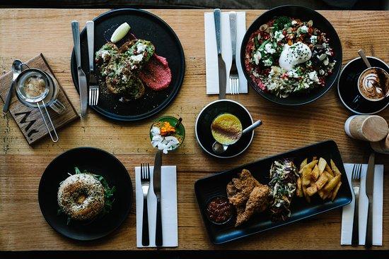 Macedon, Australia: Brunch is served.