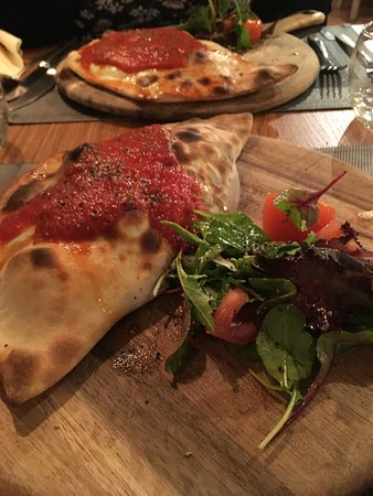 Monmouth, UK: Calzone <3