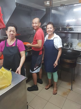 Hill Street Fried Kway Teow : THE MIRACLE MAKERS