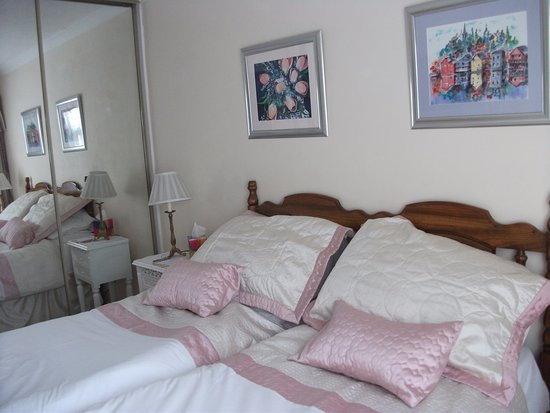 Burton upon Trent, UK: The Nook made up as a twin room
