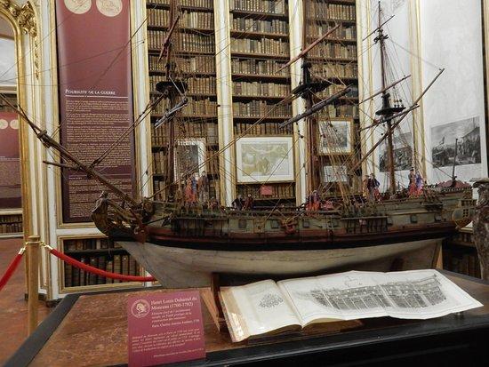 Bibliotheque Municipale de Versailles