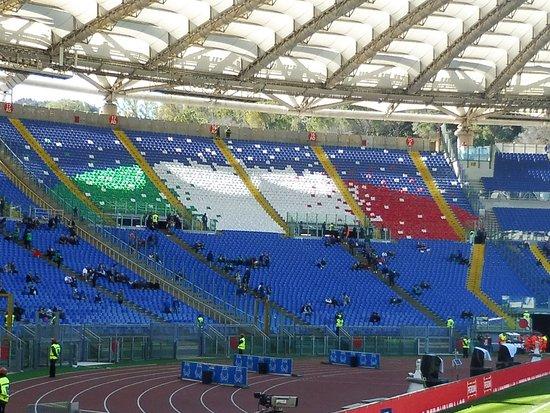 Stadio Olimpico: Gradins