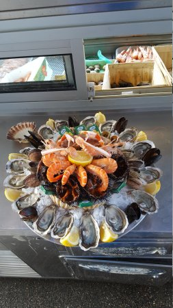 restaurant l 39 huitrier dans lyon avec cuisine fruits de mer poisson. Black Bedroom Furniture Sets. Home Design Ideas
