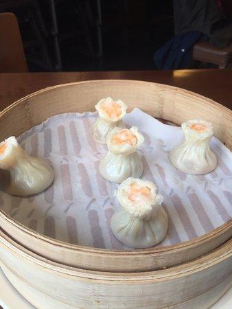 Din Tai Fung (Shanghai New World): Pork&shrimp xiao mai