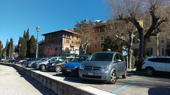 Castelletto, Italy: facing the hotel