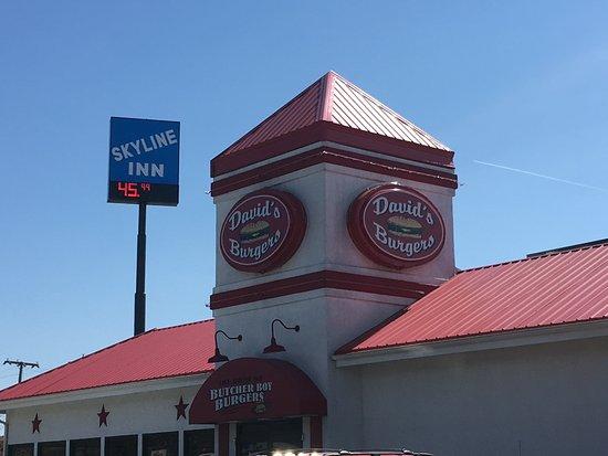 Conway, AR: Entrance to David's