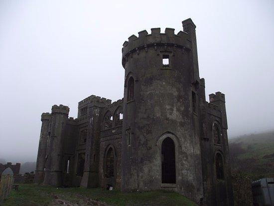 Clifden Castle: Amazing