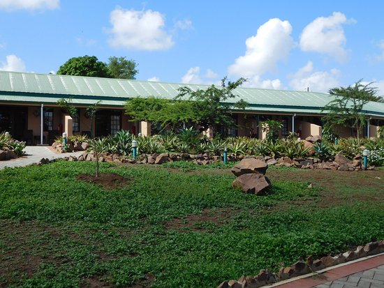 Hluhluwe, South Africa: Les chambres disséminées dans le jardin